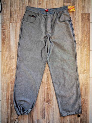 Baggy Jeans Broke